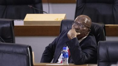 Photo of South Africa's former president is warned to appear in court